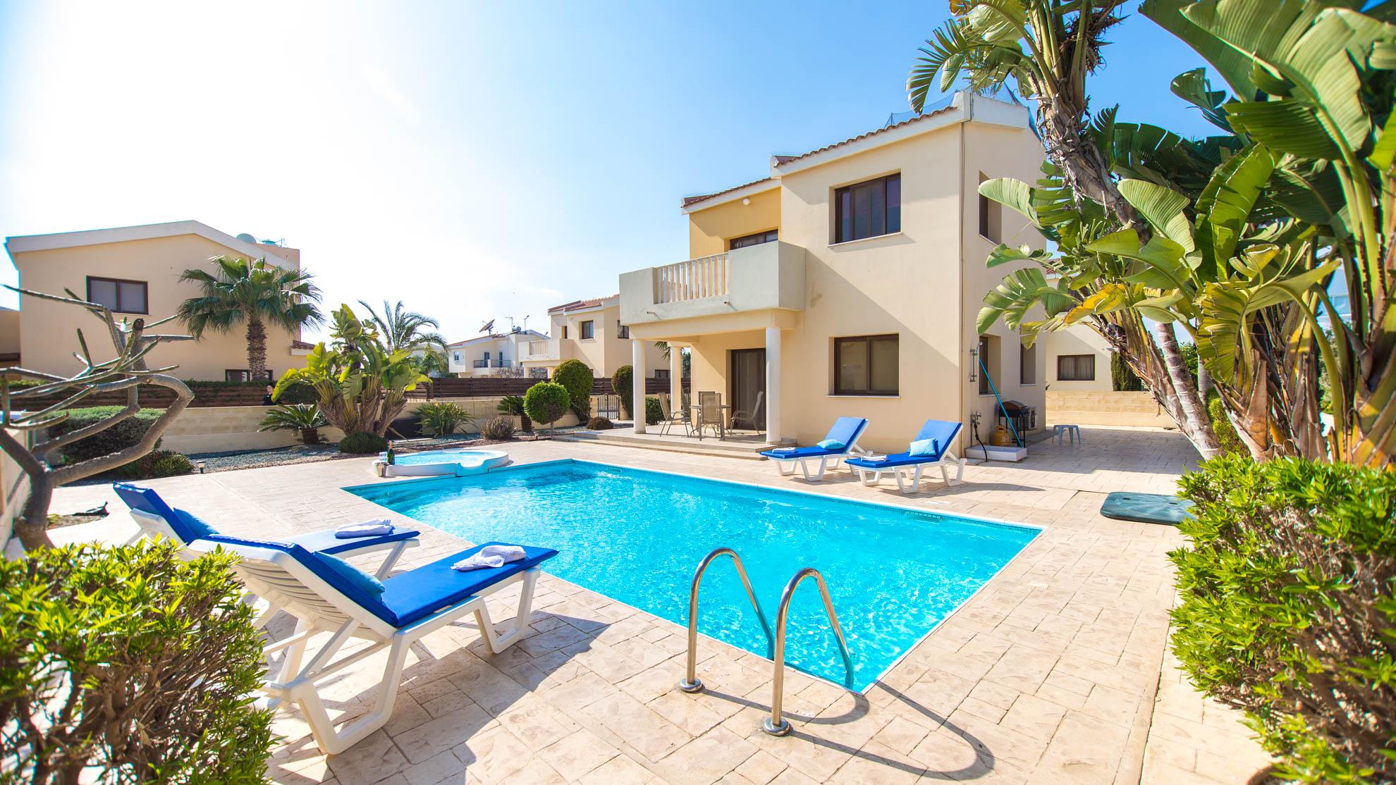 Luxury PRIVATE VILLA 066 in Cyprus